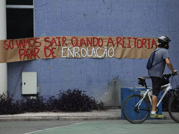 Reitoria da UFPR foi ocupada por estudantes na segunda-feira (31) (Foto: Giuliano Gomes/PR PRESS)