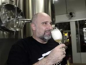 Gustavo Danhone, da Guida GIV, explica sobre tipos de cerveja (Foto: Taiga Cazarine/G1)