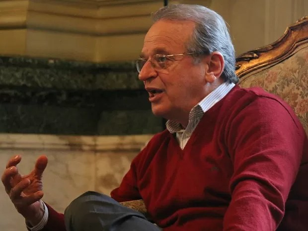 Tarso Genro exaltou o acordo para a renegociação da dívida pública dos estados com a União (Foto: Caetanno Freitas/G1)