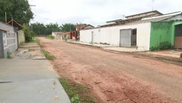 Moradores abandonaram casas por medo da violência em bairro de Rio Branco (Foto: Reprodução/Rede Amazônica Acre)
