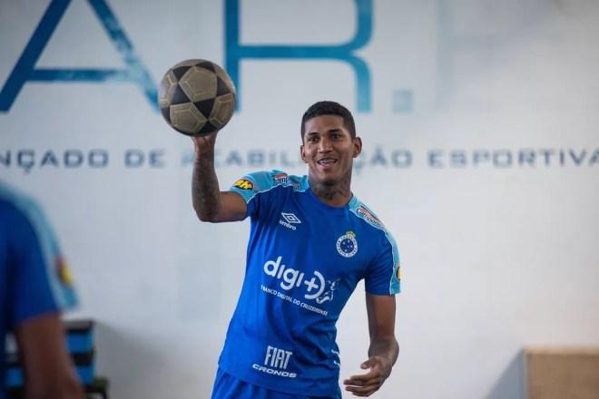 Raniel pode atuar como centroavante e também como ponta — Foto: Bruno Haddad/Cruzeiro