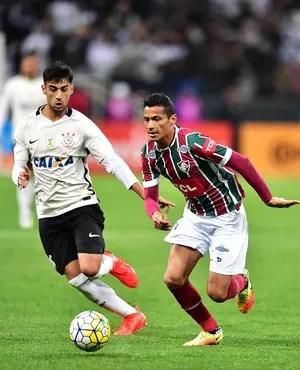 Corinthians x Fluminense Camacho Cícero (Foto: Marcos Ribolli)