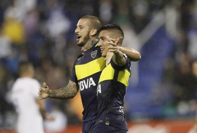 Centurión (à dir.) é o principal jogador do Boca Juniors neste ano  (Foto: Divulgação/Boca Juniors)