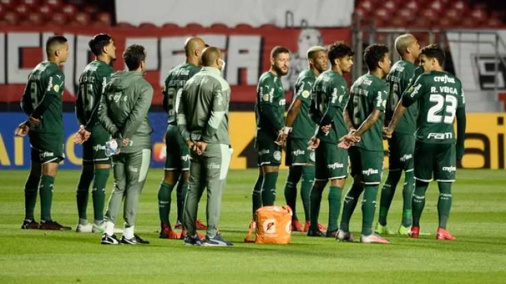 Jogadores do Palmeiras antes de clássico contra o São Paulo