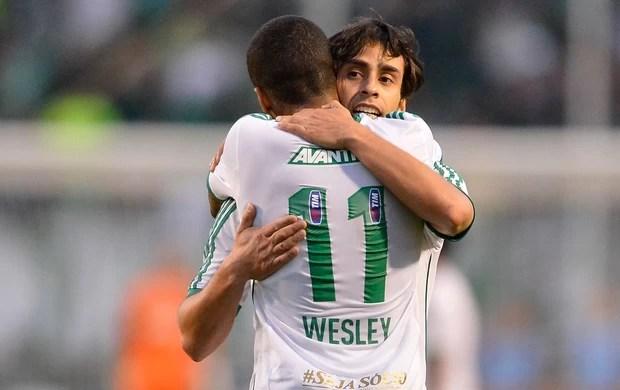 Wesley e Valdivia comemora, Palmeiras x Paraná Clube (Foto: Mauro Horita/Agência Estado)