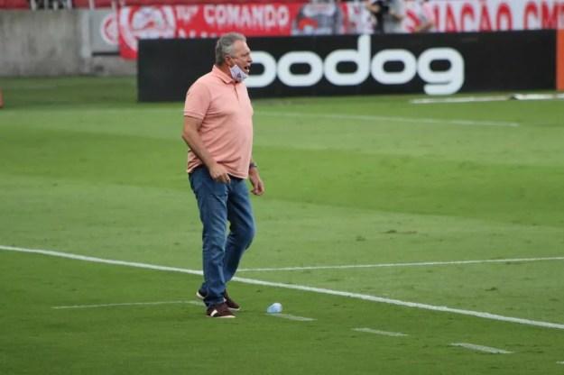 Abel Braga cumprirá o contrato com o Inter — Foto: Eduardo Deconto/ge.globo