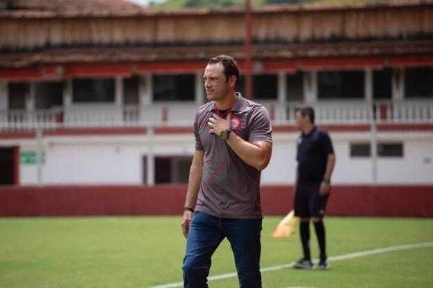 Bruno Pivetti ainda trabalha neste domingo no jogo do Tombense — Foto: Victor Souza/Tombense