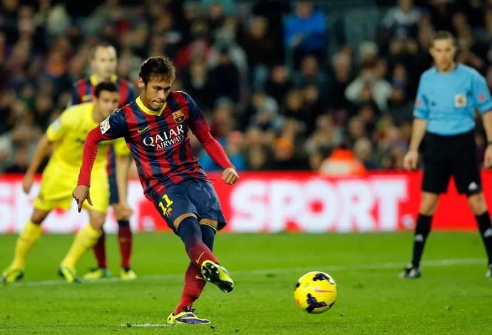 Neymar pênalti barcelona (Foto: AP)