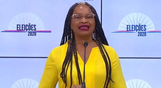 A candidata Olívia Santana (PC do B) no debate da TV Educadora — Foto: Reprodução / Youtube