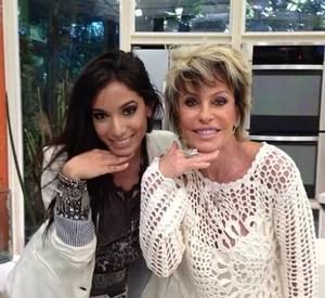 Anitta e Ana Maria Braga posam de 'poderosas' (Foto: Mais Você / TV Globo)