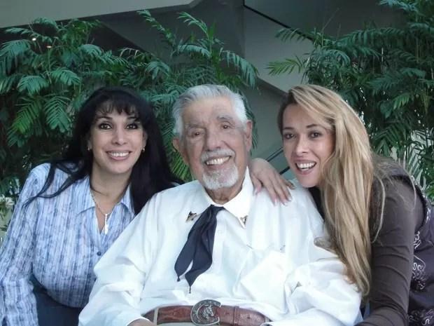 O ator mexicano Rubén Aguirre, conhecido como o Professor Girafales da série 'Chaves', durante visita ao Peru em 2011 (Foto: Divulgação)