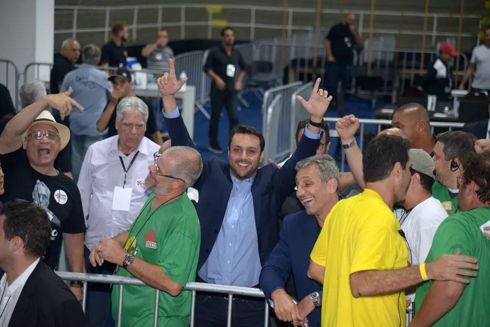 Julio Brant também comemorou vitória na eleição do Vasco (Foto: André Durão)