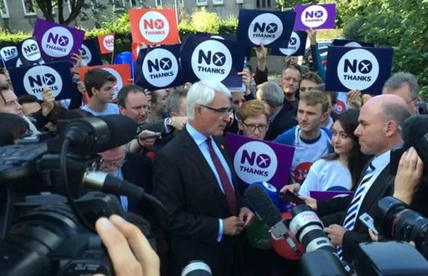 O líder da campanha contra a independência, Alistair Darling, diz que não há pânico (Foto: BBC)