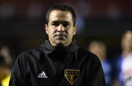 André Jardine era o técnico do São Paulo no começo da temporada — Foto: Marcos Ribolli