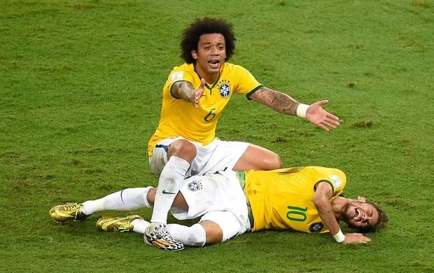Neymar machucado jogo Brasil x Colômbia (Foto: AFP)