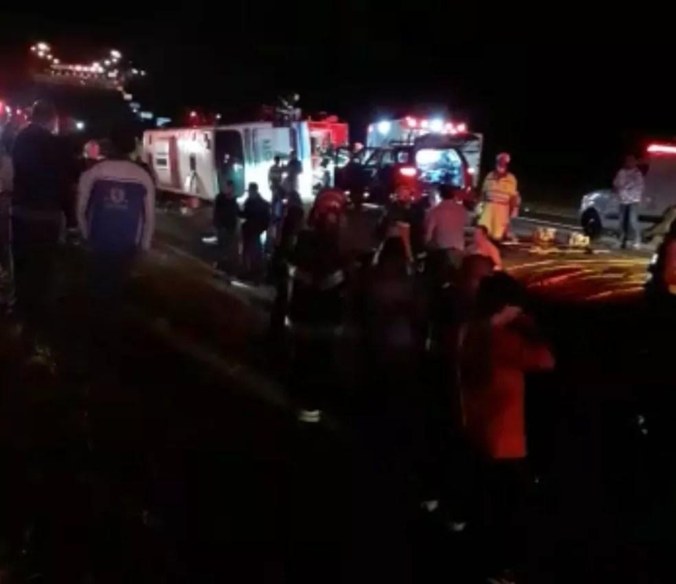 Acidente foi em alça de acesso para a Rodovia Raposo Tavares (SP-270) — Foto: Sandra Costa/Cedida