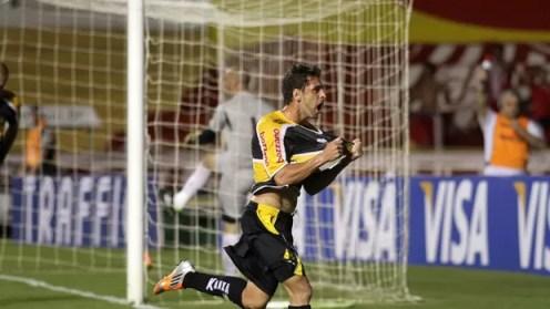 Ivo gol Criciúma (Foto: Fernando Ribeiro / Ag. Estado)