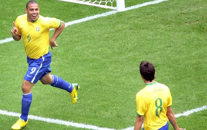 Ronaldo Brasil e Gana 2006 (Foto: Agência AP )