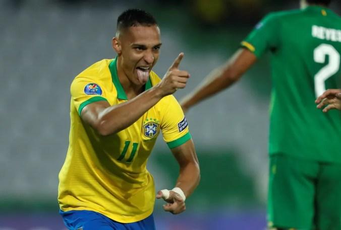 Antony comemora gol do Brasil contra a Bolívia — Foto: EFE/Ernesto Guzmán Jr.
