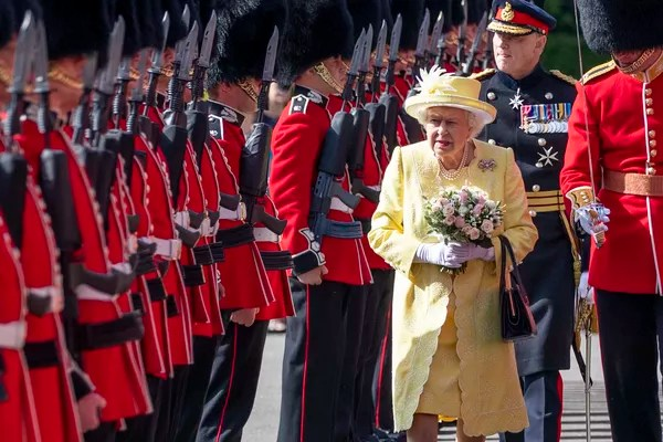 Queen Elizabeth 2nd in inspection by her personal guard, June 2019 photo (Photo: Getty Images)