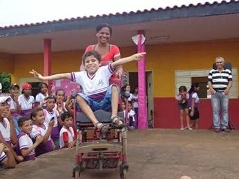 Professora diz que Gabriel é participativo e não falta aulas (Foto: Escola Estadual Professora Ana Tereza Albernaz)