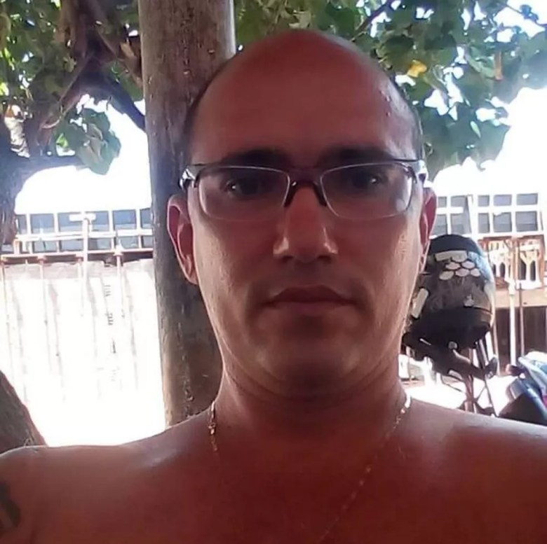 Soldado da PM Marcos Garcia Marinho morreu no hospital (Foto: Arquivo da família)