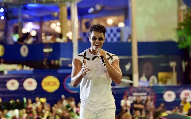 Lincoln Sena, vocalista da Duas Medidas (Foto: Elias Dantas/Ag. Haack)
