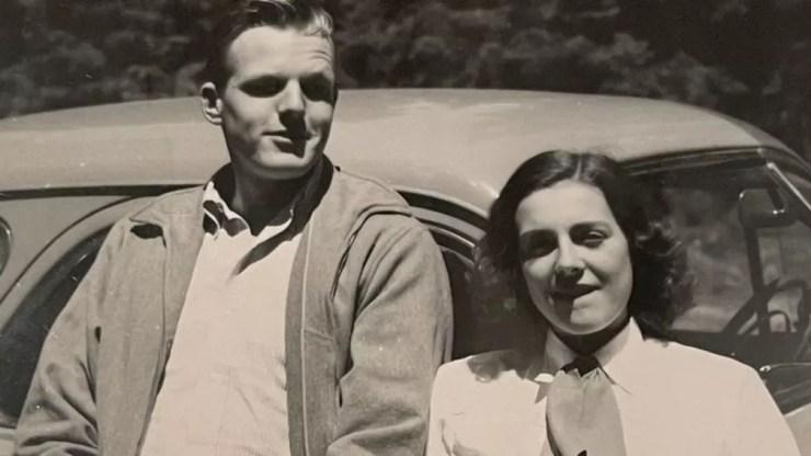 Ann tinha sonho de infância de se tornar freira, mas ela se apaixonou por Richard Miller — Foto: Mark Miller/Arquivo Pessoal/BBC