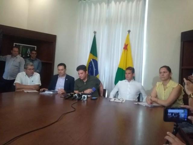 Em coletiva, governo falou sobre as ações desenvolvidas para combater a violência no estado — Foto: Tálita Sabrina/Rede Amazônica Acre