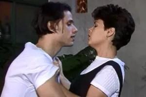 Giulio tenta agarrar Teca (Foto: reprodução/TV Globo)
