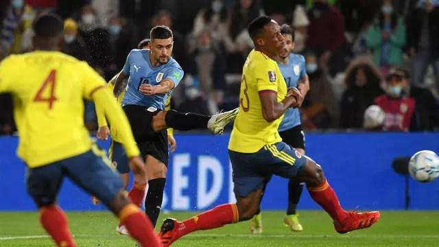 Arrascaeta sentiu lesão durante o jogo entre Uruguai e Colômbia