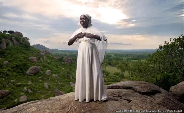 Foto de mulher queniana é uma das concorrentes (Foto: Alan Gichigi/National Geographic Traveler Photo Contest/BBC)