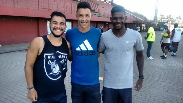 Vargas, Heron e Ramires (Foto: Wagner Chaló/GloboEsporte.com)