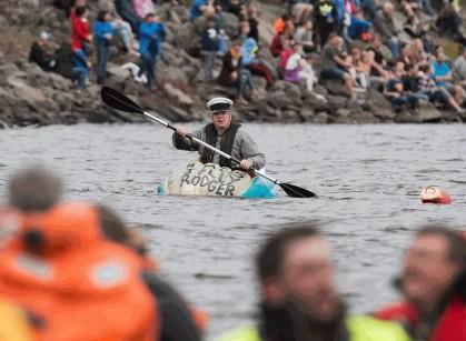 Canadá tem regata em barcos feitos de abóboras gigantes (Foto: Andrew Vaughan/The Canadian Press via AP)