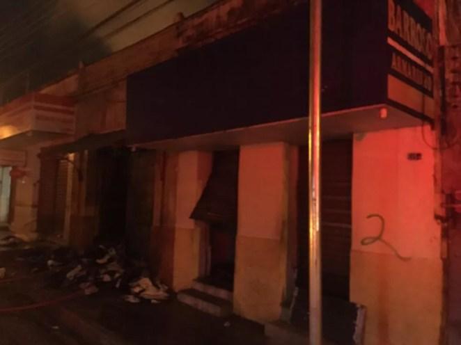 Incêndio destrói duas lojas de tecido no Centro de Teresina — Foto: Arquivo pessoal
