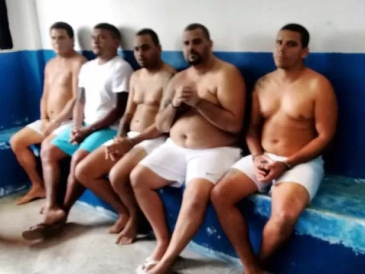 Edson Cardoso Bezerra (Gato), Anderson Mendonça da Silva (Sancinho), Cosme Wendel Rodrigues Gomes (Cego), Alex Barros de Medeiros e Marcos Paulo Ferreira (Cabeça do Acre) foram transferidos de parnamirim para Mossoró (Foto: G1/RN)