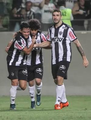 Luan; Giovanni Augusto; Lucas Pratto; Atlético-MG (Foto: Bruno Cantini/CAM)