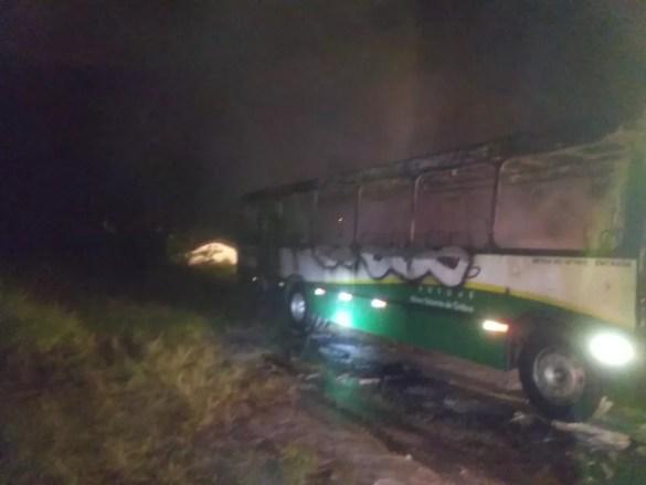 Ônibus do transporte coletivo de Brusque pega fogo — Foto: Corpo de Bombeiros/Divulgação