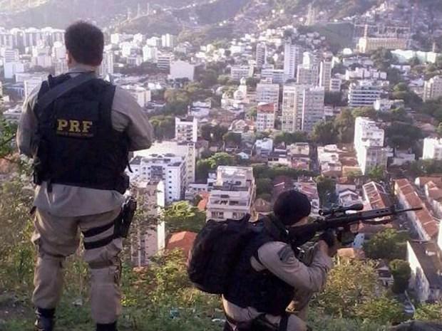 Polícia Rodoviária Federal deu apoio à ocupação no Lins (Foto: Divulgação/ Polícia Rodoviária Federal)