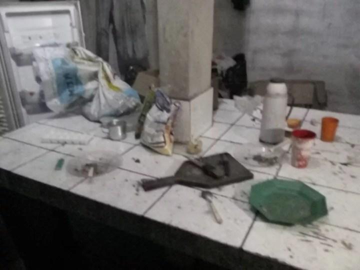 Sítio onde casal morava em Miracatu foi encontrado bagunçado — Foto: G1 Santos