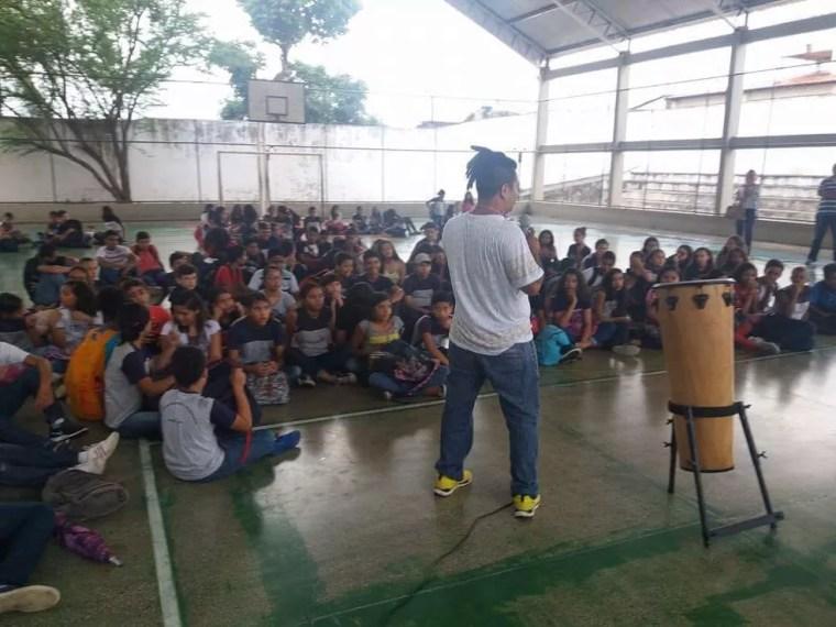 Aulas são gratuitas para estudantes de escolas públicas (Foto: Divulgação)