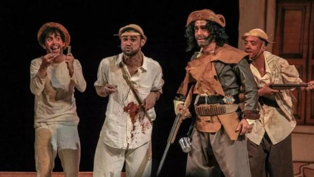 Os atores Edir Vila Real, Marlom Amaro e Noir Junior em 'O Auto da Compadecida' (Foto: Rafael Corrêa)