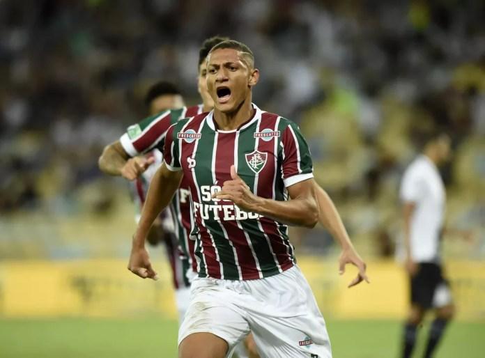 Richarlison em ação pelo Fluminense — Foto: André Durão