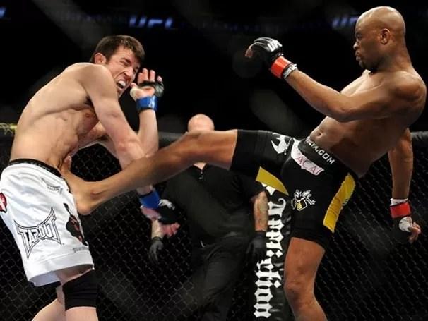 Anderson Silva e Sonnen se enfrentam pela segunda vez no UFC (Foto: Getty Images / Divulgação: Globoesporte.com)