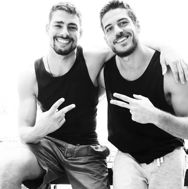 Cauã Reymond e Marco Pigossi (Foto: Instagram / Reprodução / Doug Inglish)