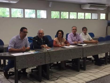 Coletiva da UPE trouxe as novas datas das provas da 1ª e e 2ª fases do vestibular seriado da instituição (Foto: Divulgação/UPE)