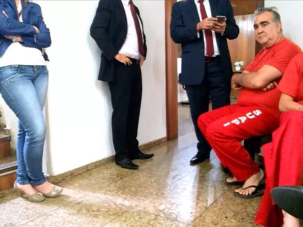 O ex-secretário de Minas Gerais, Narcio Rodrigues, e o empresário Hugo Murcho, presos na Operação Aequalis, em Belo Horizonte, por suspeita de desvio de verba (Foto: Reprodução/TV Globo)