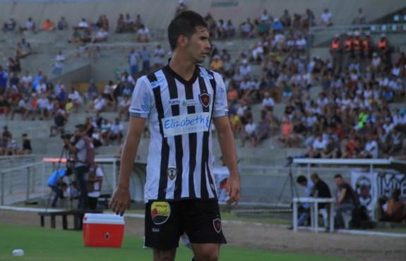 Fábio Alves conseguiu se destacar na reta final da Série C (Foto: Max Oliveira/GloboEsporte.com)