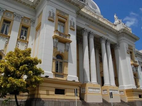 Palácio da Justiça, localizado na Praça da Repúblcia, região central do Recife (Foto: Arquivo/G1)