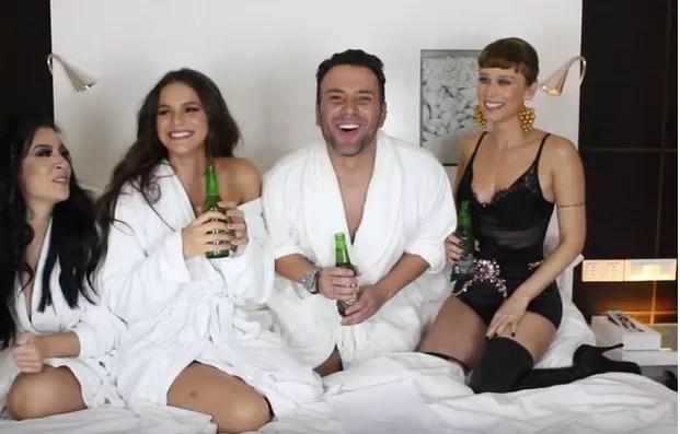 Boca Rosa, Bruna Marquezine, Matheus Mazzafera e Mariana Ximenes (Foto: Reprodução/YouTube)